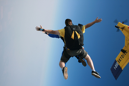 3634524186_6951a761b0_skydiving